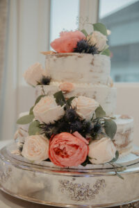 Cake with floral decoration